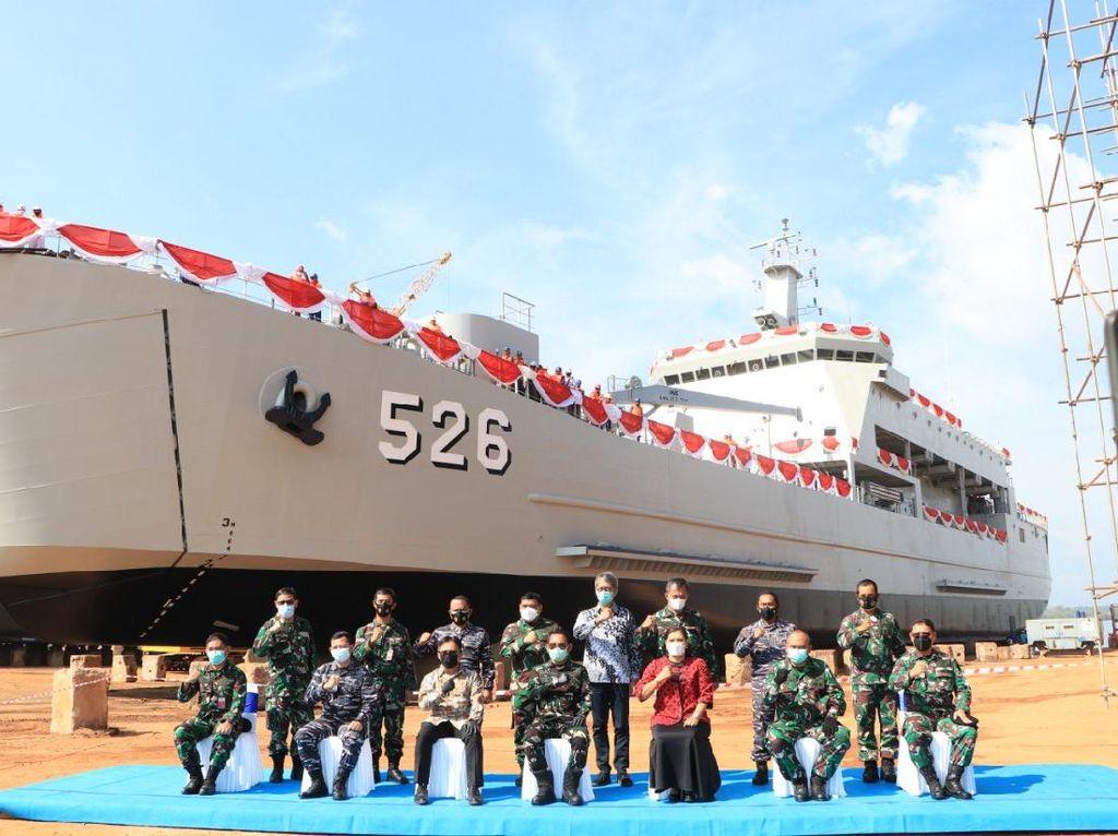 Intip Kecanggihan Kapal Pengangkut Tank TNI AL Buatan Lokal