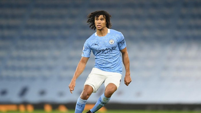 MANCHESTER, ENGLAND - DECEMBER 15: Nathan Ake of Manchester City in action during the Premier League match between Manchester City and West Bromwich Albion at Etihad Stadium on December 15, 2020 in Manchester, England. The match will be played without fans, behind closed doors as a Covid-19 precaution.  (Photo by Michael Regan/Getty Images)