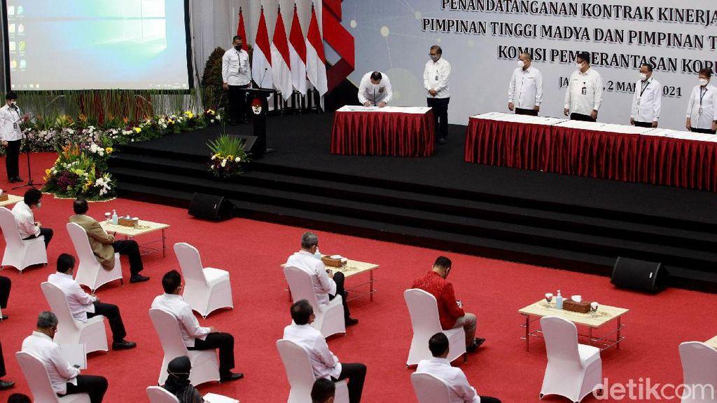 Pimpinan-Dewas Hadiri Penandatanganan Kontrak Kinerja KPK 2021