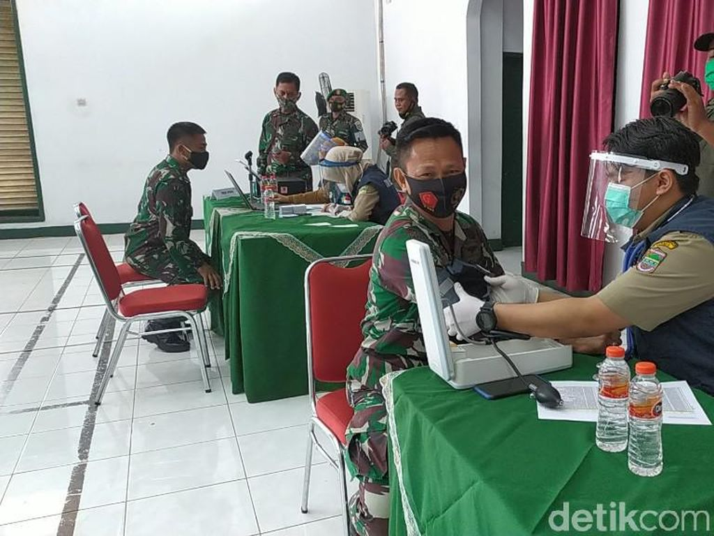 Ratusan Prajurit TNI di Ciamis-Kabupaten Bandung Jalani Vaksinasi Corona