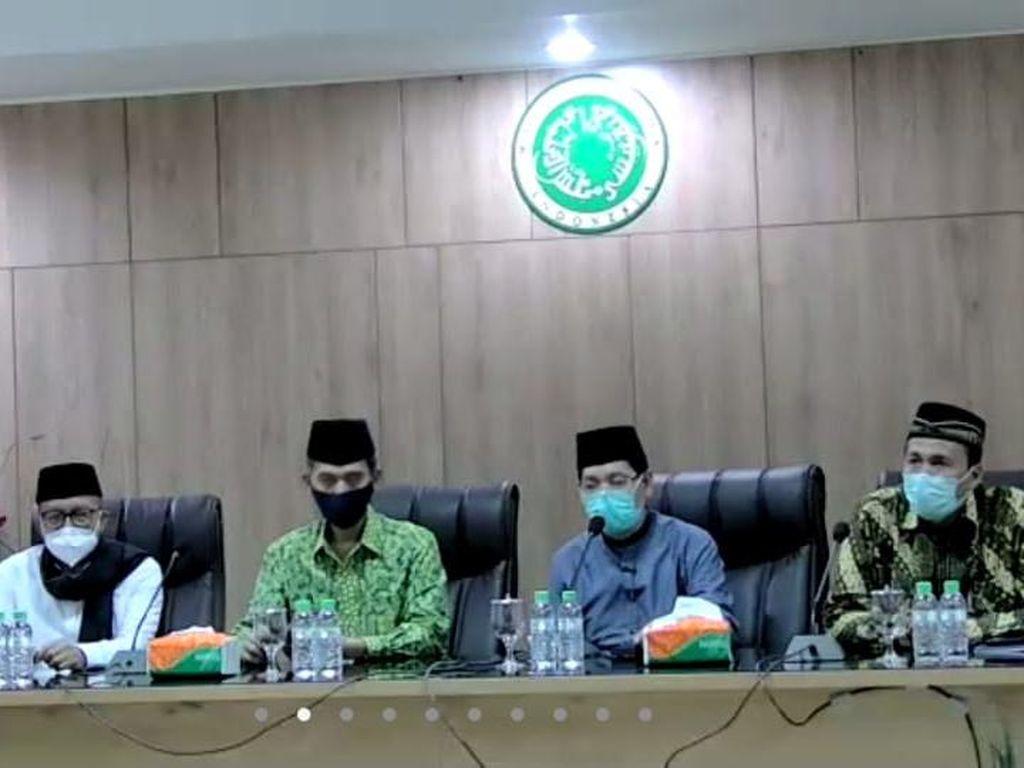 Respons MUI soal Jokowi Cabut Lampiran Perpres Investasi Miras