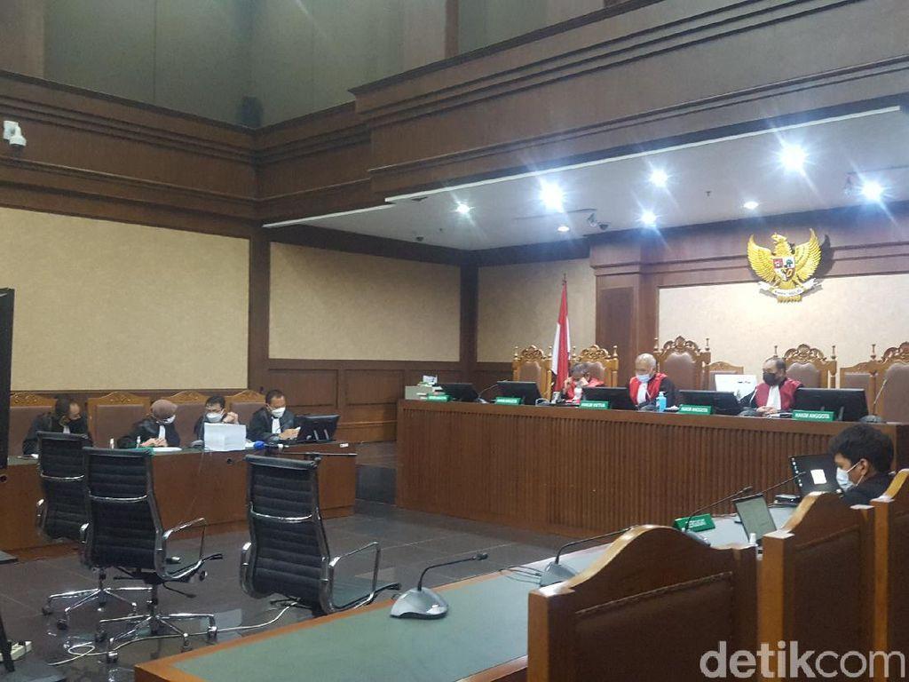 Sidang Terdakwa Penyuap Nurhadi, Hakim Konfirmasi Saksi soal Proyek PLMTH
