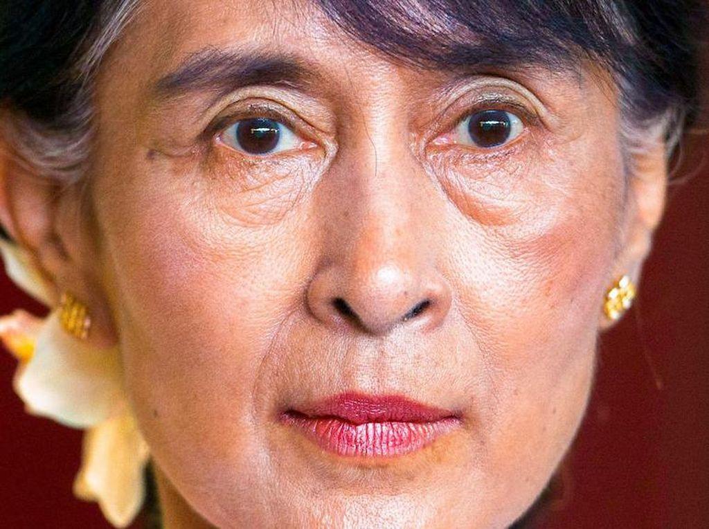 Aung San Suu Kyi Mulai Diadili Atas Dakwaan Penghasutan