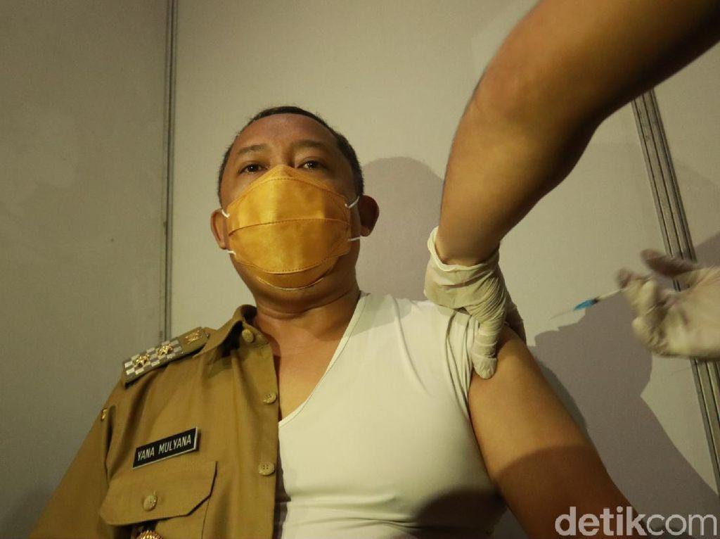 Divaksinasi COVID-19, Wawali Bandung: Pegal dan Ngantuk