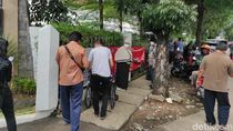 Viral Lansia Antre Vaksin di BBPK Jakarta, Kemkes: Gegara Broadcast Hoax di WA