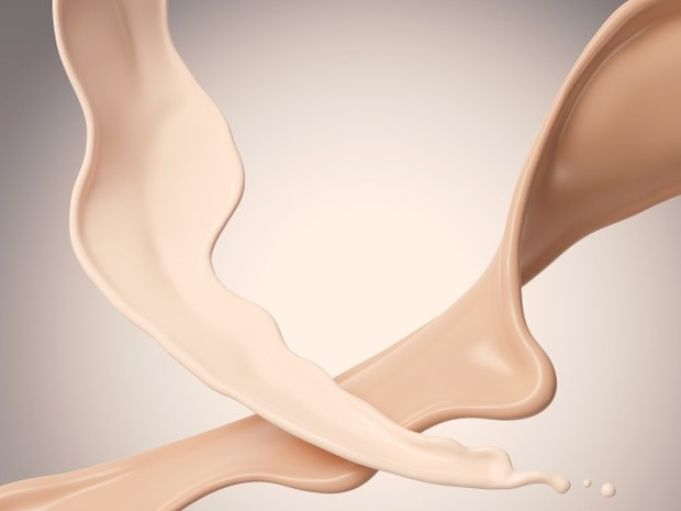 Hidrasi adalah kunci untuk membantu kulit kering. Kamu dapat mencari foundation dengan hasil akhir yang ringan.