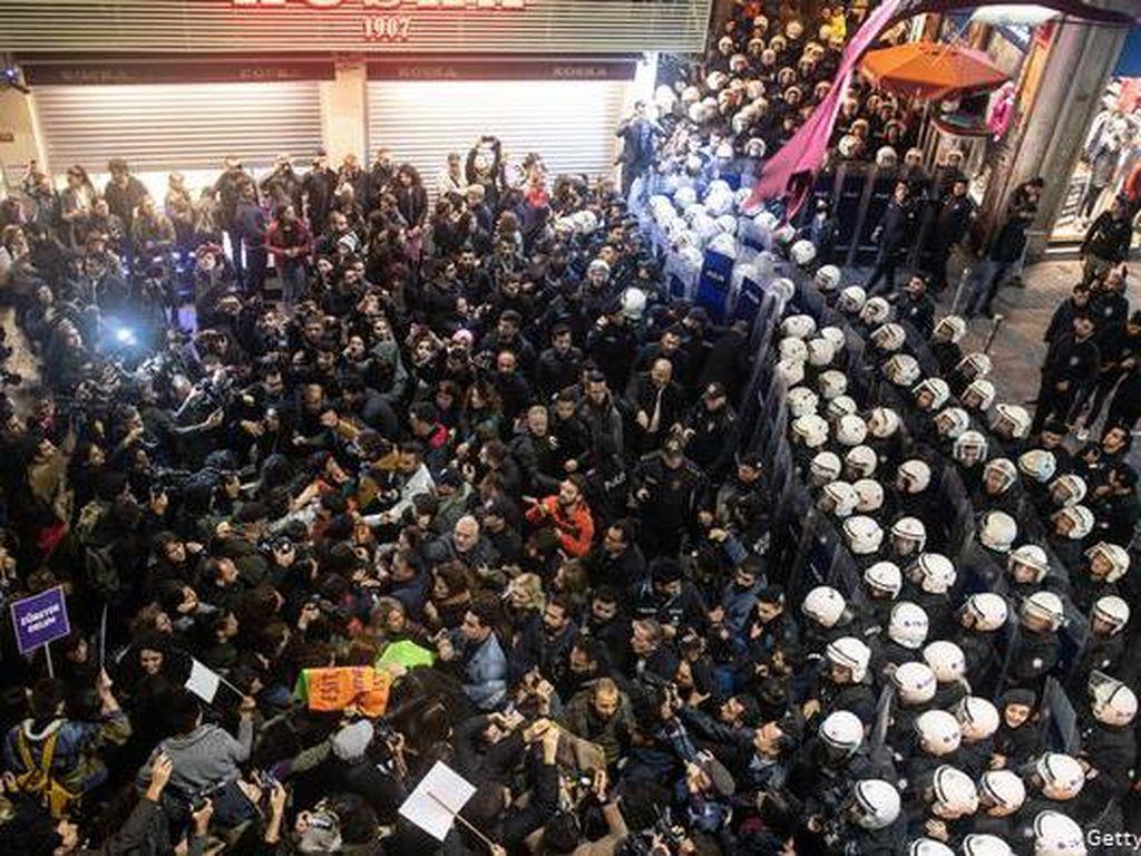 Banyak Kasus Pembunuhan terhadap Perempuan Ditutup-tutupi di Turki