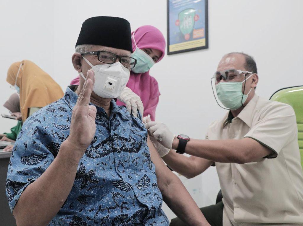Ketum PP Muhammadiyah Disuntik Vaksin Corona: Bagian dari Ikhtiar