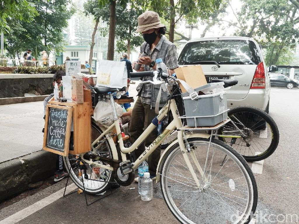 Unik, Ada Kedai Kopi Sepeda di Bandung