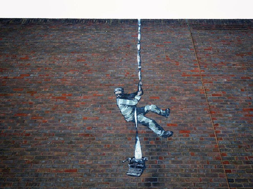 Banksy Benarkan Mural di Dinding Bekas Penjara Inggris Buatannya