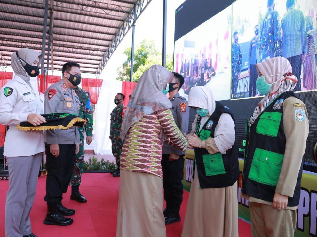 1.172 Vaksinator COVID-19 TNI-Polri NTB Dilatih, Target 75% Warga Divaksin