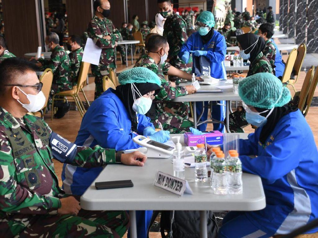 353 Ribu Personel TNI AD Mulai Divaksinasi Corona Serentak