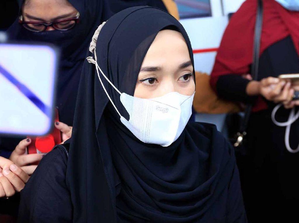 Ririe Fairus Resmi Cerai dari Ayus Sabyan, Kutipan Ayat Al Quran Jadi Sorotan