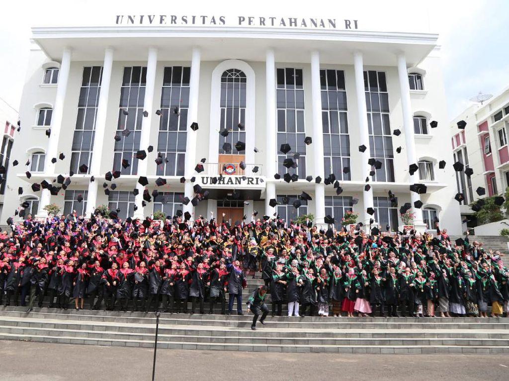 Universitas Pertahanan RI Beri Beasiswa S1-S3, Daftar Segera!