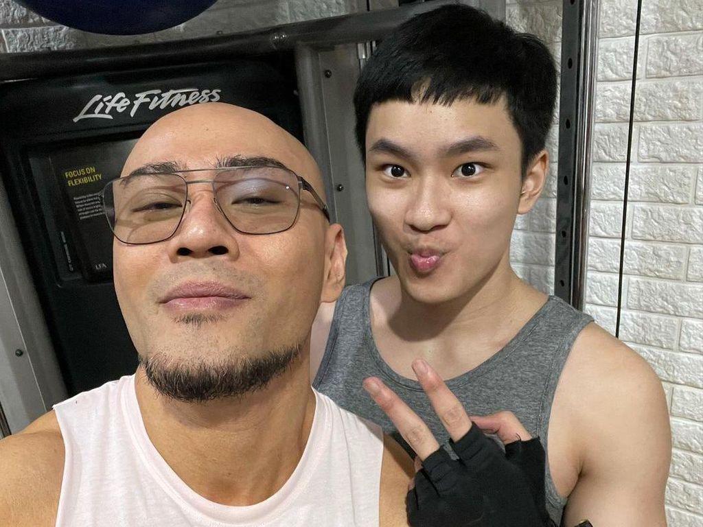 10 Foto Transformasi Azka Corbuzier, Dulu Imut Kini Jadi Remaja Berotot