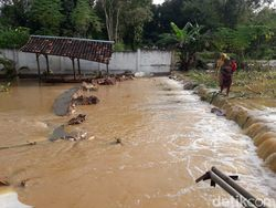 Hujan Lebat di Sumenep Banjiri 2 Desa dan Rusak Ponpes