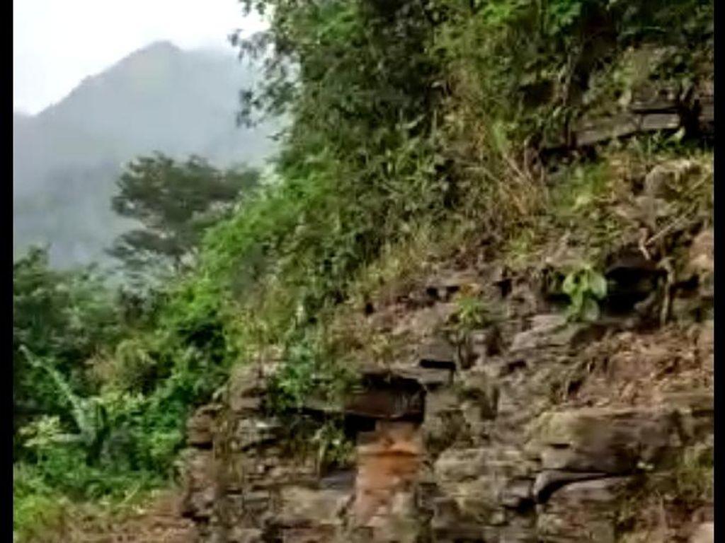 Batu Berundak Mirip Candi Ditemukan di Lereng Gunung Muria Kudus