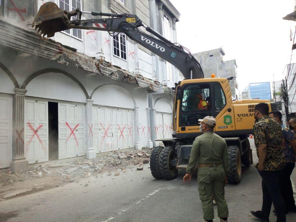 F-PD DPRD Minta Bobby Tak Pilih Kasih Robohkan Bangunan Ilegal di Medan