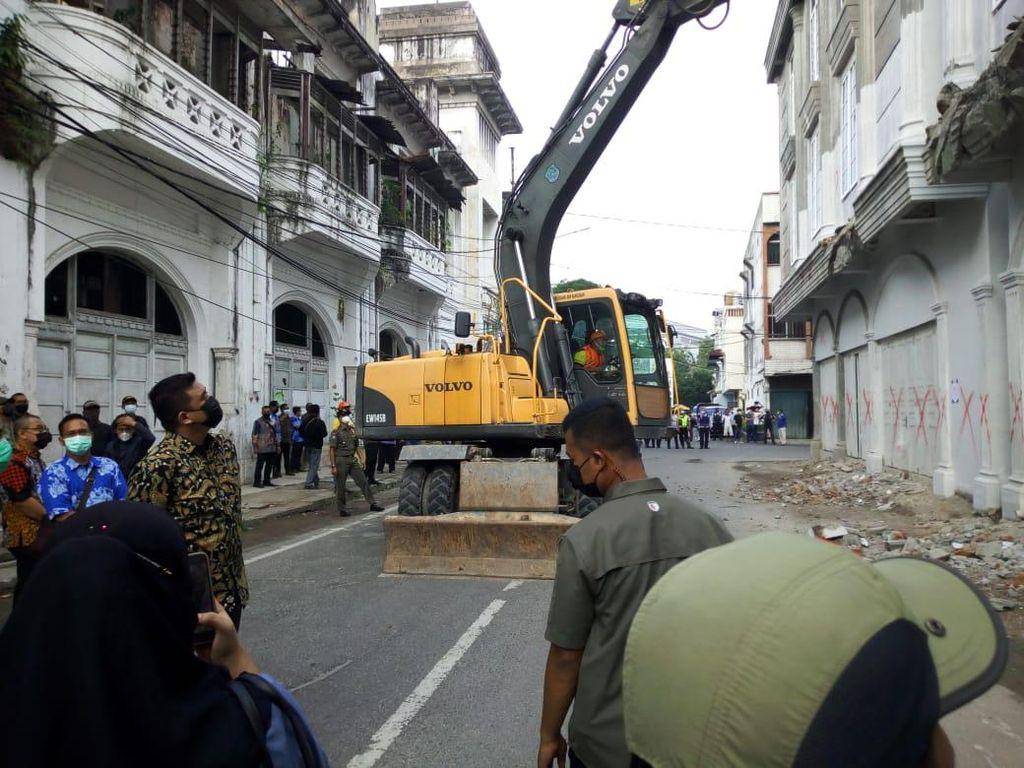 Kahiyang Ikut Rakernas Dekranas Saat Bobby Beraksi Robohkan Bangunan Ilegal