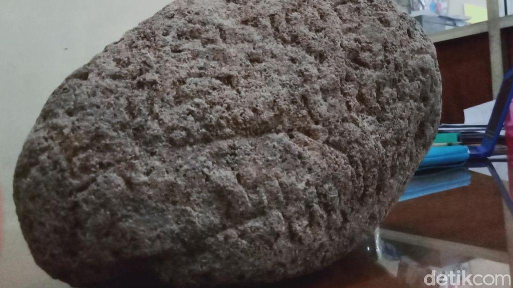 Ini Batu Misterius Berukir Mirip Tulisan yang Ditemukan di Klaten