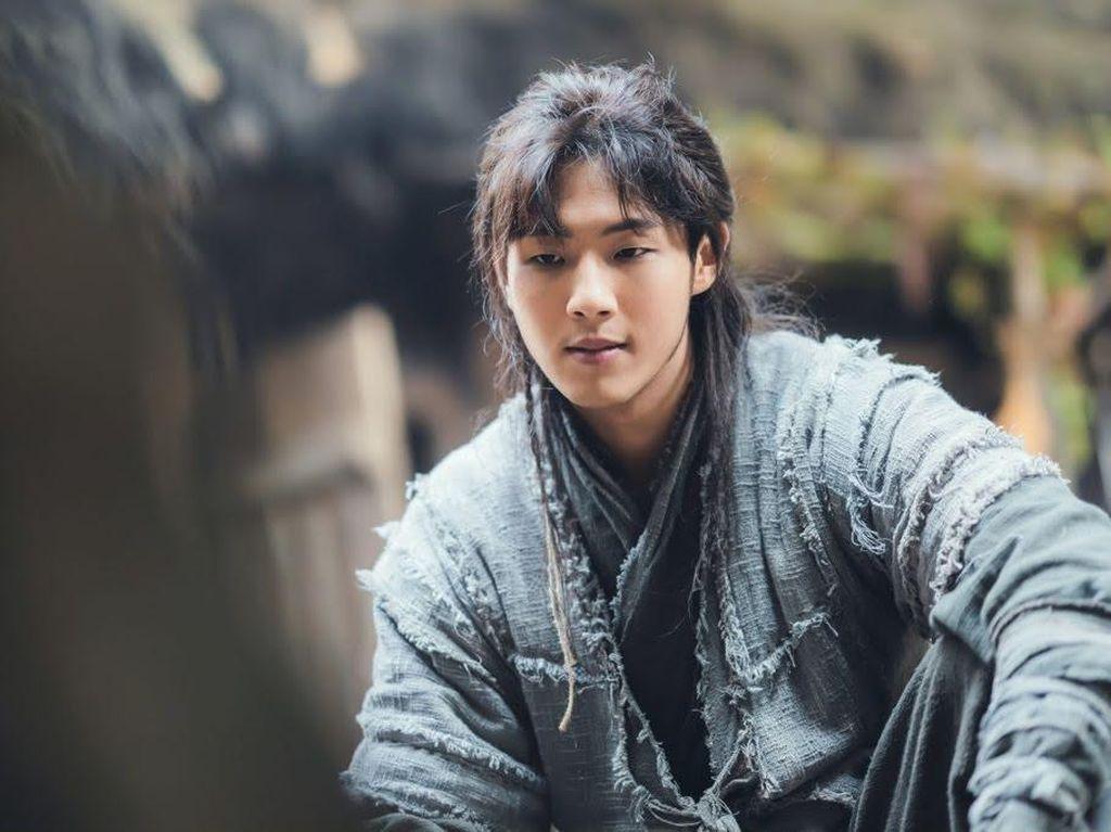 Ji Soo Hengkang dari Agensi, Bagaimana soal Gugatan River Where the Moon Rises?