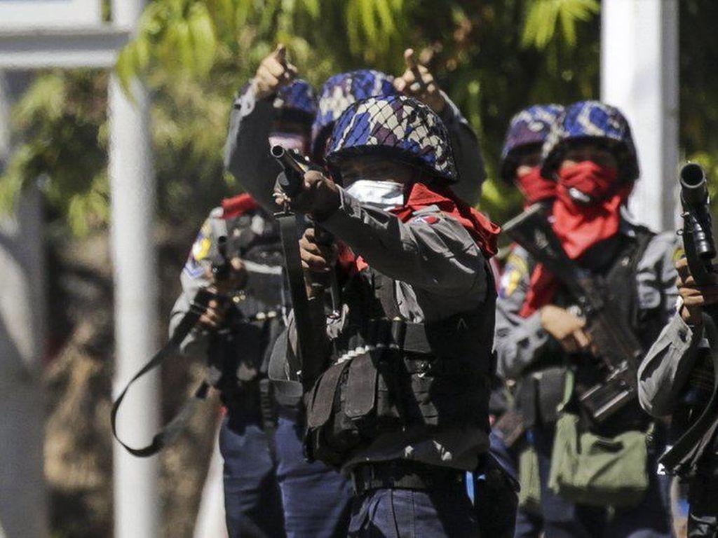 Via TikTok, Tentara-Polisi Myanmar Ancam Tembak Mati Demonstran