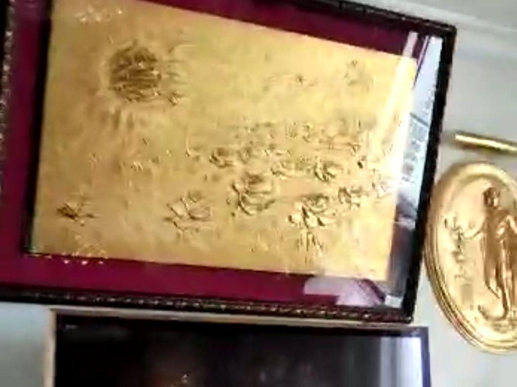 36 Lukisan Berlapis Emas Disita dari Jimmy Tersangka Skandal Asabri