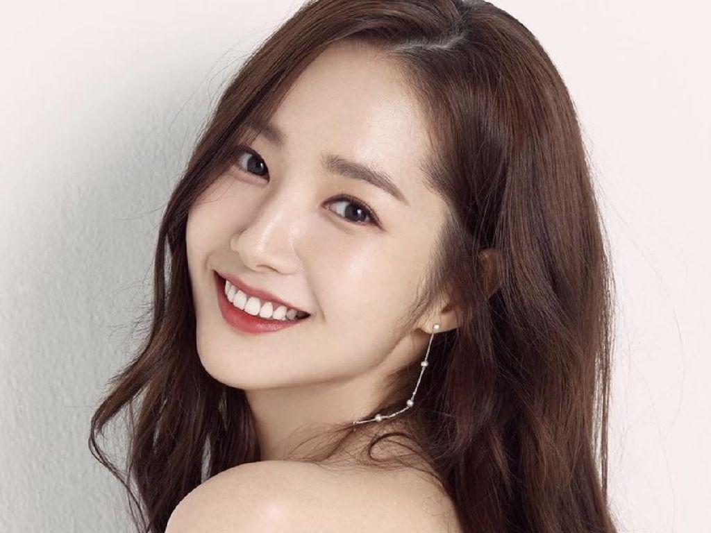 Park Min Young Cantik Awet Muda di Ultah ke-35, Ini Rahasianya