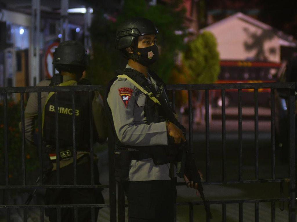 Baku Tembak dengan MIT, Anggota Brimob Gugur