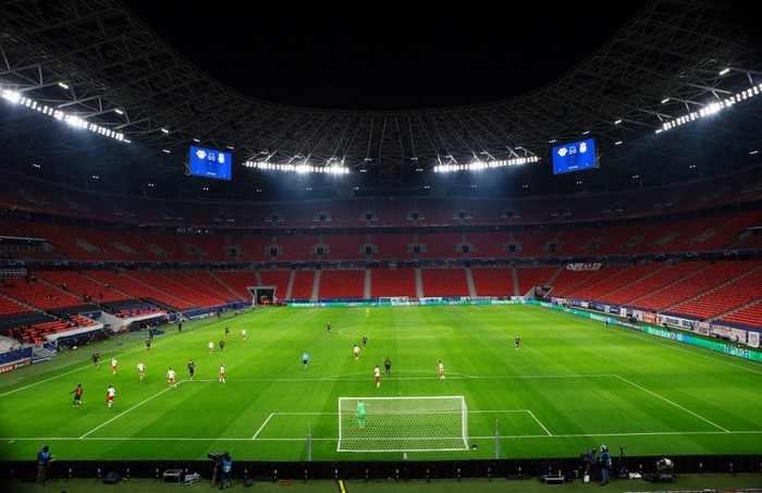 General view during the UEFA Champions League round of 16 first leg football match between RB Leipzig and FC Liverpool at the Puskas Arena in Budapest on February 16, 2021. (Photo by Ferenc ISZA / AFP)
