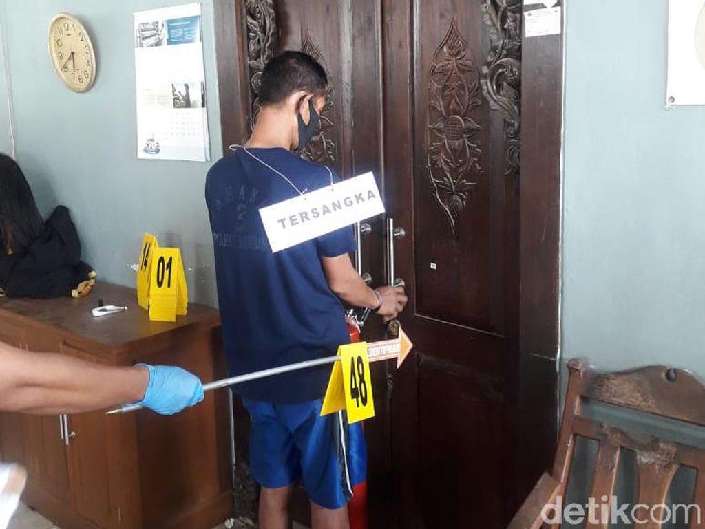 Anak Histeris Saat Rekonstruksi Pembunuhan 4 Orang Sekeluarga di Rembang