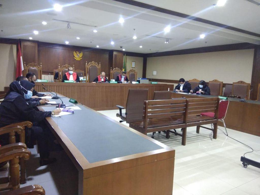 Saksi Ini Akui Terima Rp 15 Juta dari Anak Buah Terdakwa Kasus Alkes RS Unair