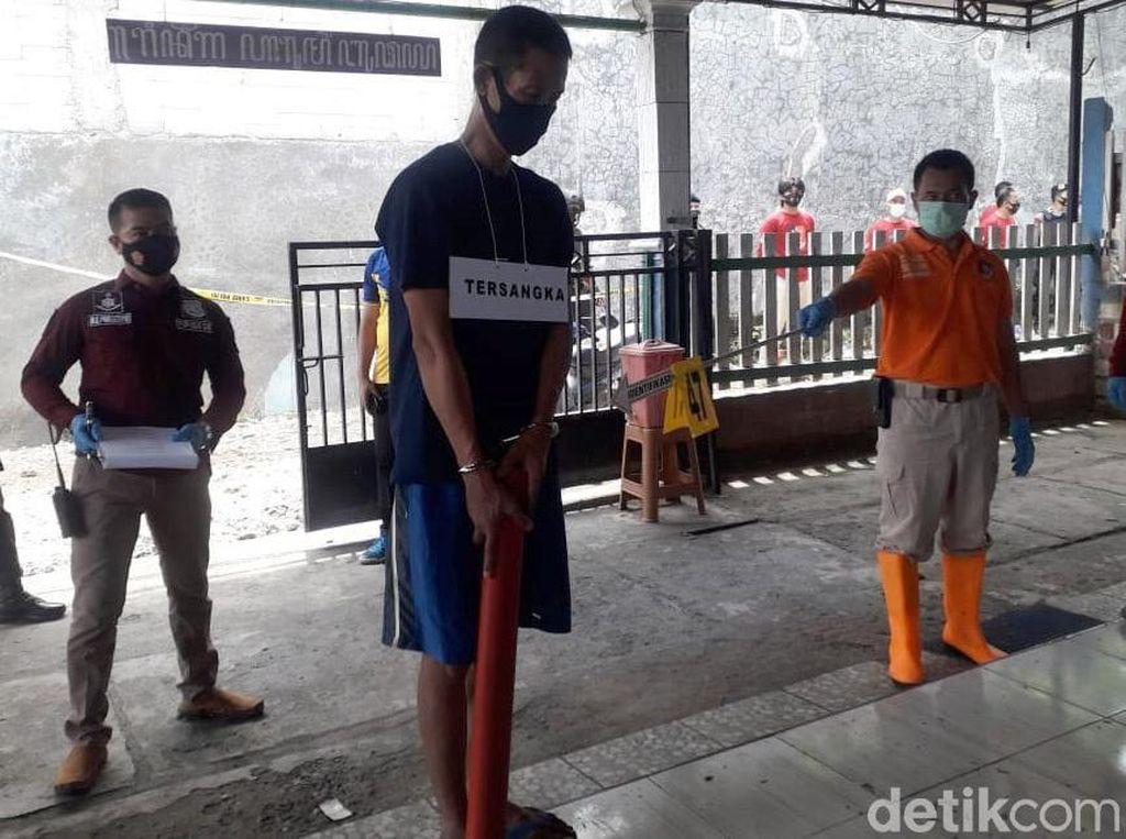 Penampakan Tersangka Pembunuhan Sadis Sekeluarga di Rembang