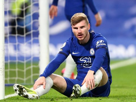 LONDON, ENGLAND - FEBRUARY 28: Timo Werner of Chelsea reacts after missing a chance during the Premier League match between Chelsea and Manchester United at Stamford Bridge on February 28, 2021 in London, England. Sporting stadiums around the UK remain under strict restrictions due to the Coronavirus Pandemic as Government social distancing laws prohibit fans inside venues resulting in games being played behind closed doors. (Photo by Clive Rose/Getty Images)