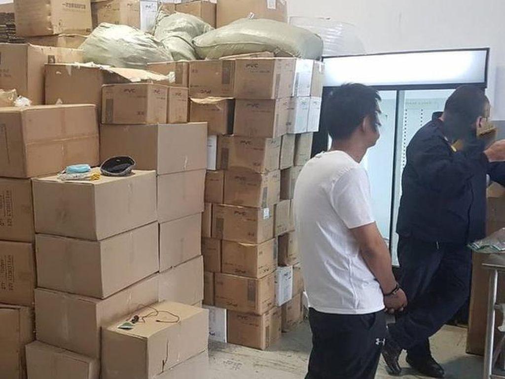Polisi Bongkar Jaringan Pemalsu Vaksin di China dan Afrika Selatan