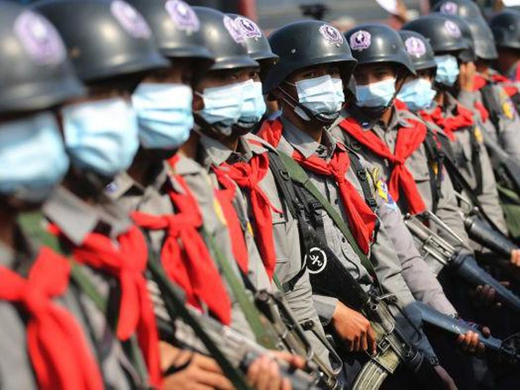 Junta Militer Myanmar Peringatkan Demonstran Berisiko Ditembak di Kepala