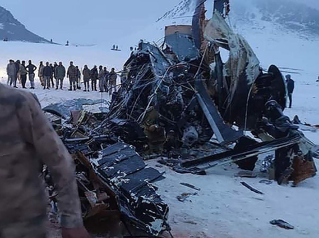 Helikopter Militer Turki Jatuh, 11 Tewas 2 Orang Selamat