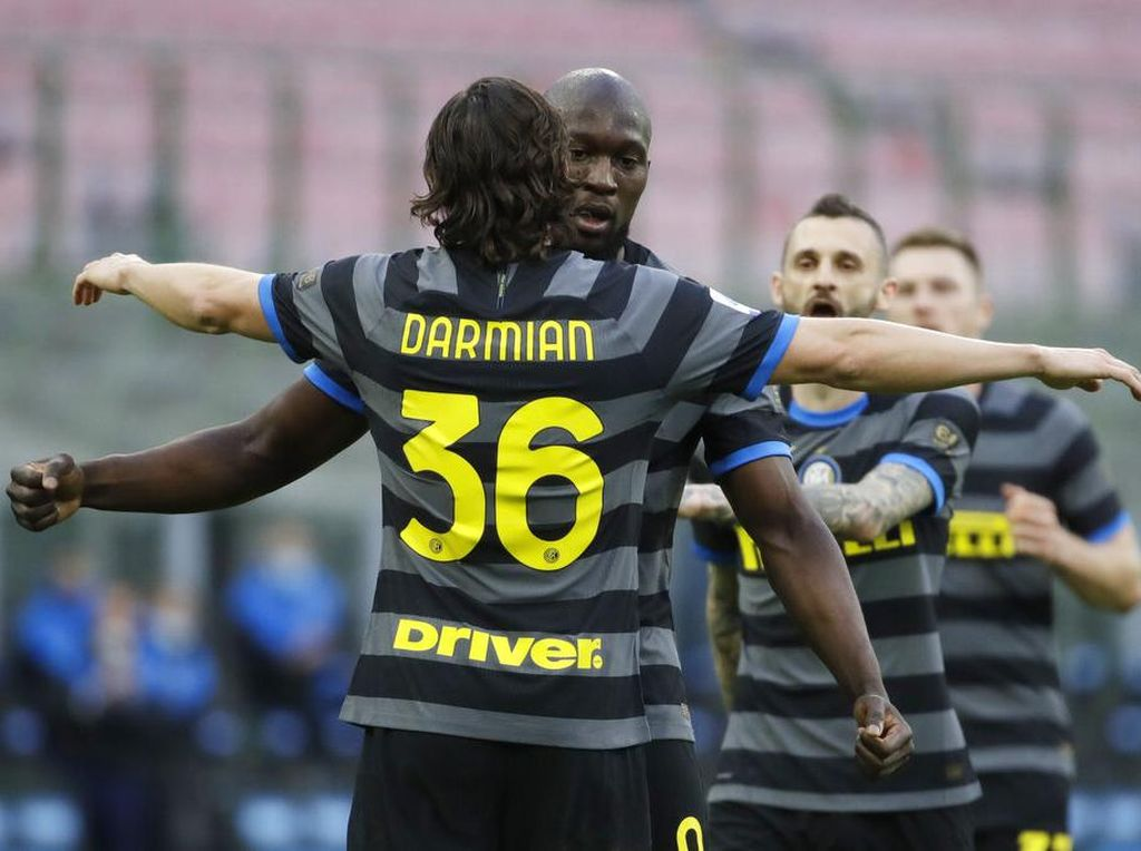 Inter Siap Bayar Gaji Pemain Januari dan Lunasi Utang ke MU