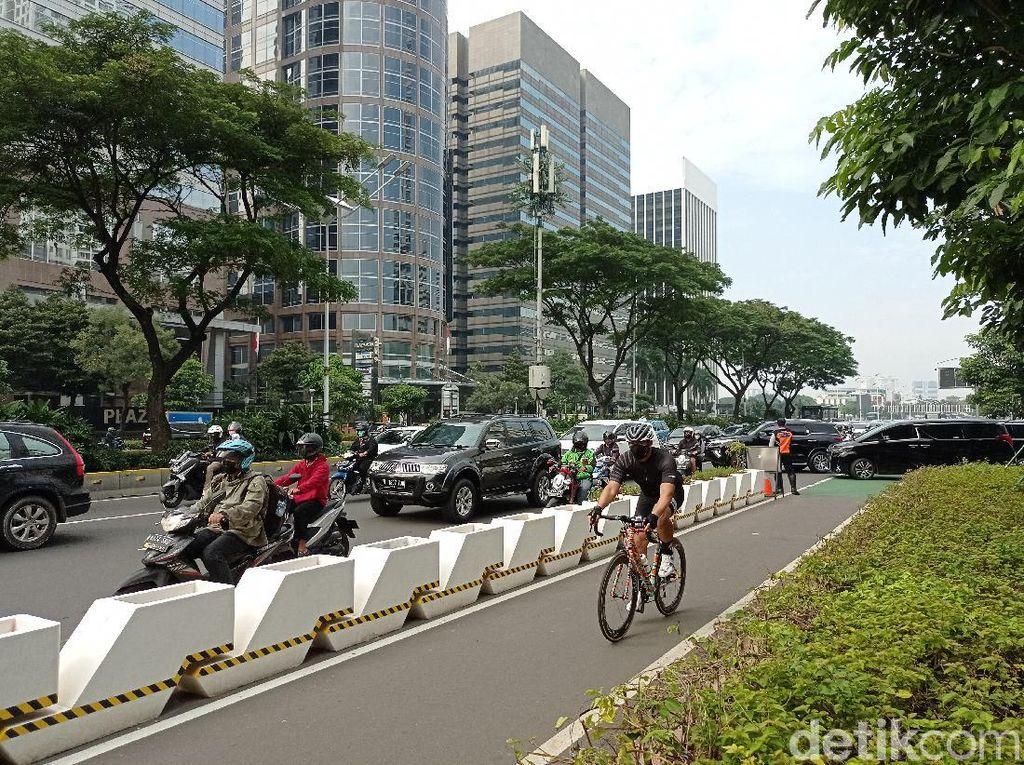 Kata Pemotor soal Jalur Sepeda Permanen di Sudirman-Thamrin