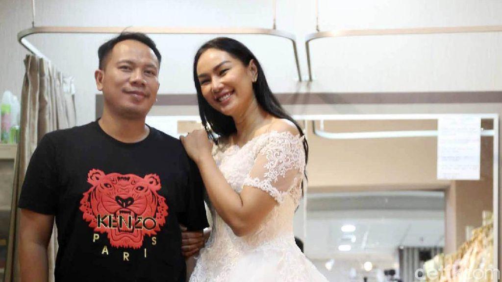 Vicky Prasetyo dan Kalina Fitting Baju untuk Nikah Pekan Depan