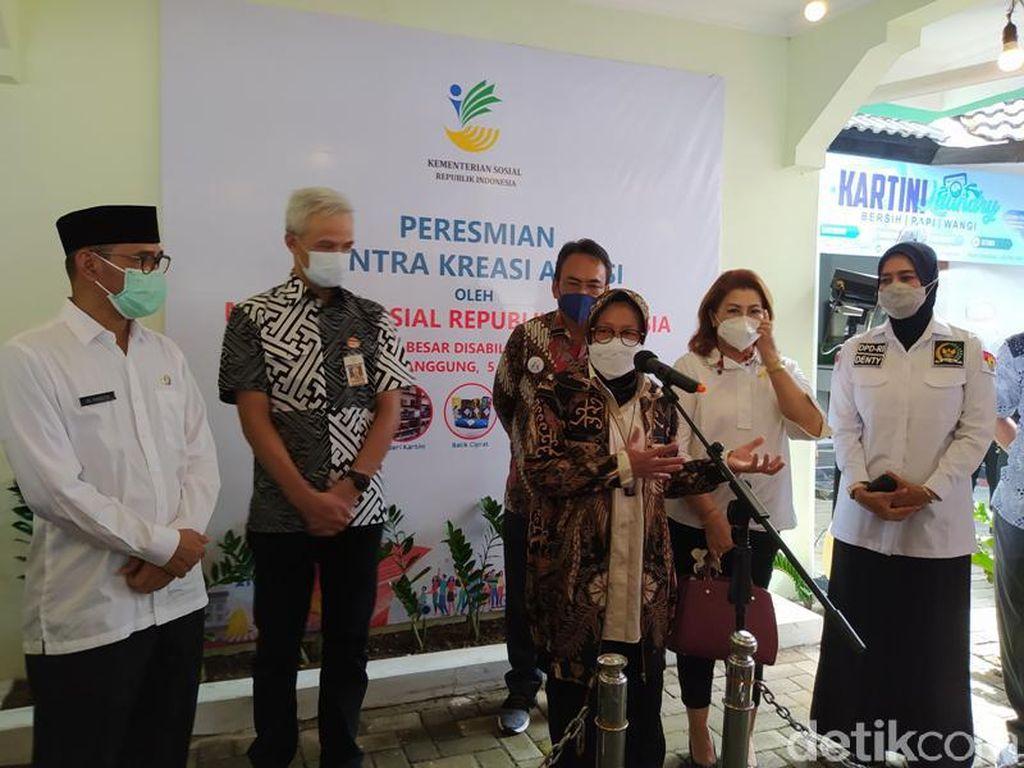 Mensos Risma Bakal Sulap Balai Rehab di Temanggung untuk Disabilitas-Lansia