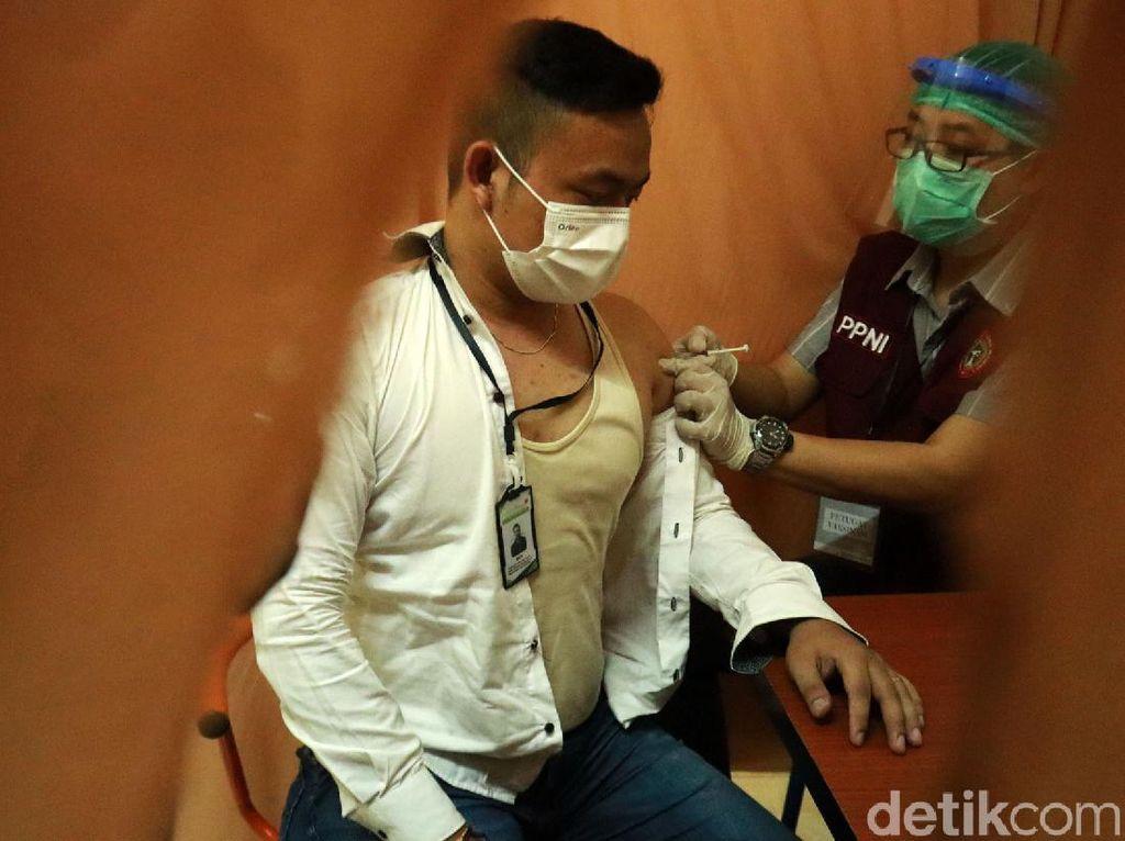 3 Bulan Vaksinasi Corona, Wamenkes Sebut Tak Ada KIPI Berat