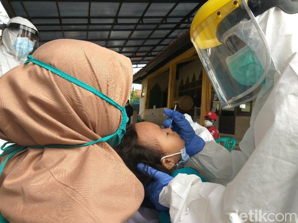 Warga Kontak Erat Klaster Ziarah di Bandung Barat Jalani Rapid Antigen