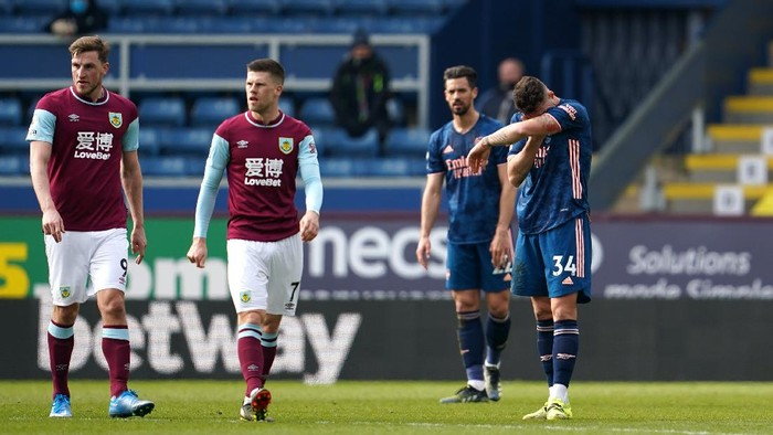 BURNLEY, ENGLAND - MARCH 06: Granit Xhaka of Arsenal looks dejected after making an error leading to a Burnley goal during the Premier League match between Burnley and Arsenal at Turf Moor on March 06, 2021 in Burnley, England. Sporting stadiums around the UK remain under strict restrictions due to the Coronavirus Pandemic as Government social distancing laws prohibit fans inside venues resulting in games being played behind closed doors. (Photo by Jon Super - Pool/Getty Images)