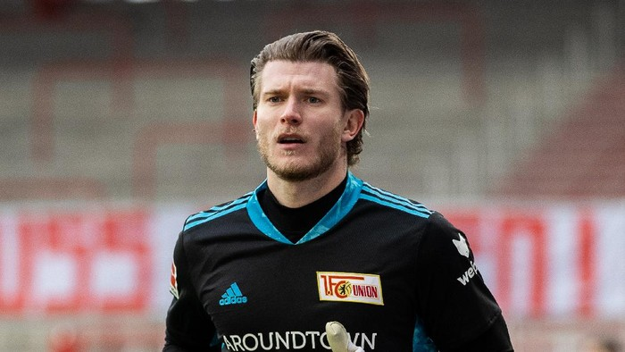 BERLIN, GERMANY - FEBRUARY 28: Goalkeeper Loris Karius of 1.FC Union Berlin looks on during the Bundesliga match between 1. FC Union Berlin and TSG Hoffenheim at Stadion An der Alten Foersterei on February 28, 2021 in Berlin, Germany. (Photo by Boris Streubel/Getty Images)