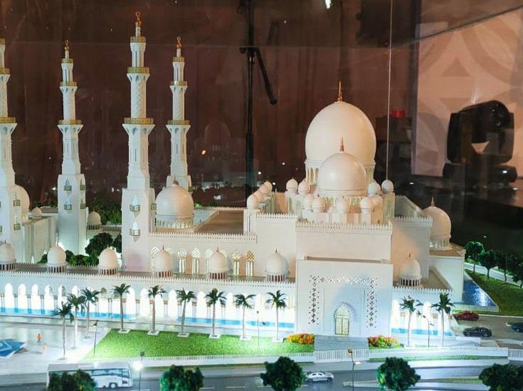 Replika Grand Mosque Abu Dhabi Resmi Dibangun di Solo