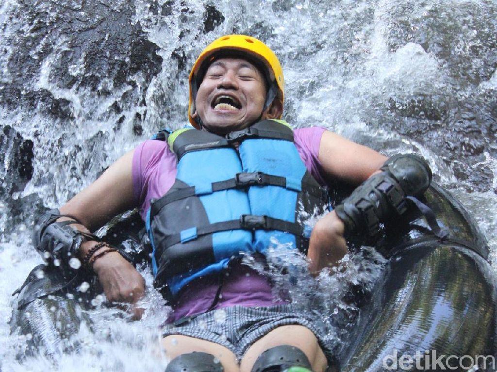 Suka Tantangan? Wajib Coba River Tubing di Sungai Cikadongdong Majalengka