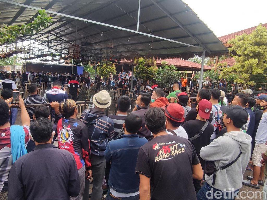 Timbulkan Kerumunan, Kontes Kicau Burung di Cianjur Dibubarkan Polisi