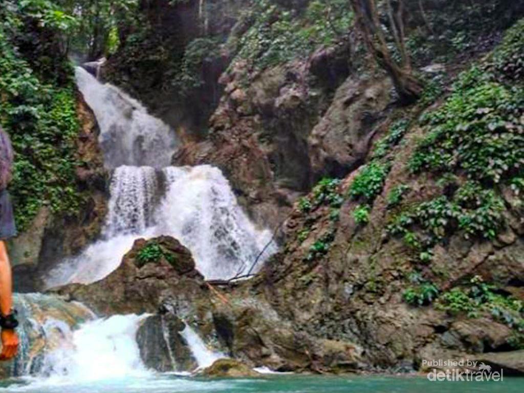 Ragam Air Terjun Desa Sakita yang Indah Banget