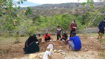 Tak Diberi Izin, Keluarga Ingin Jenazah Anak Menantu Santoso Dimakamkan di Poso